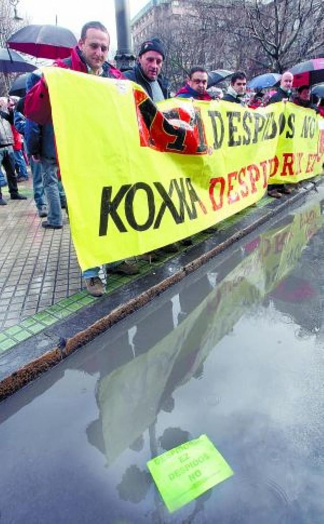 UGT y CC OO se reúnen el lunes con el Ministerio para tratar el ERE de Koxka