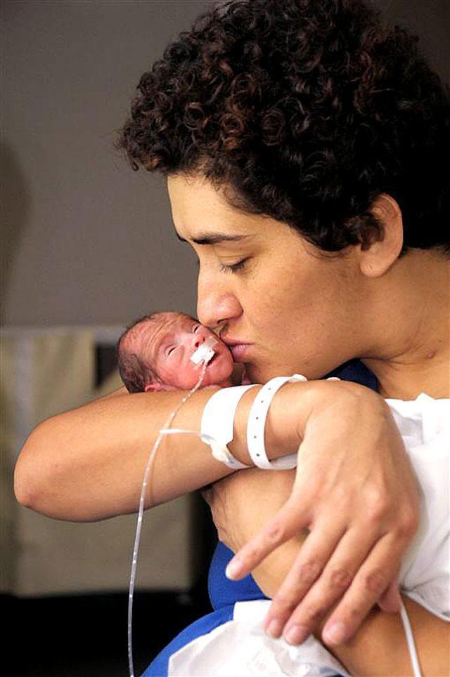 Un trasplante de hígado en pleno embarazo salva la vida de madre e hija