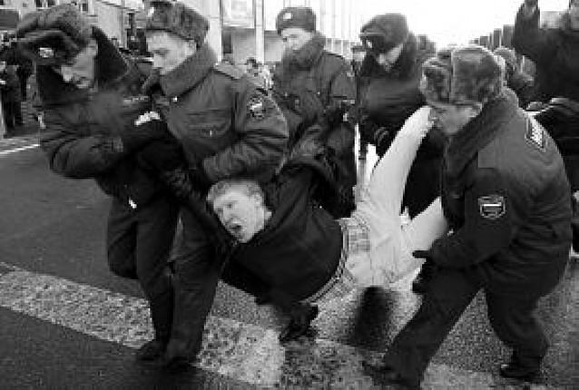 Jornada de protestas en toda Rusia con medio centenar de opositores detenidos
