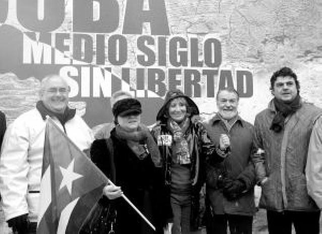 Aguirre encabezó la concentración en Madrid contra el régimen castrista
