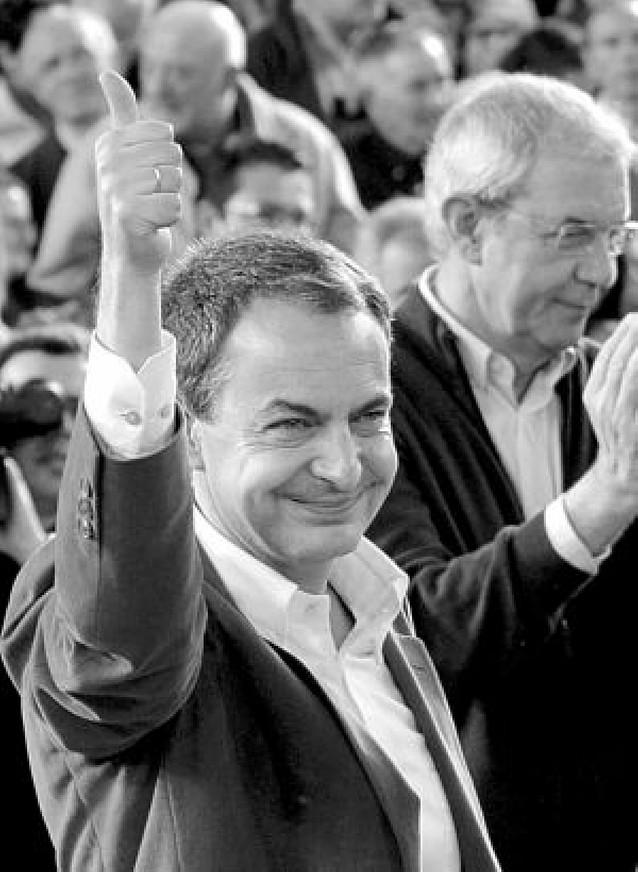 Zapatero pide a los bancos que den créditos y se olviden de los grandes beneficios