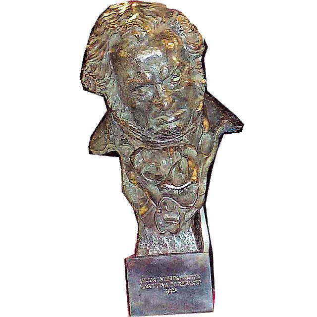 """""""Camino"""" y Pe triunfan en los Goya"""