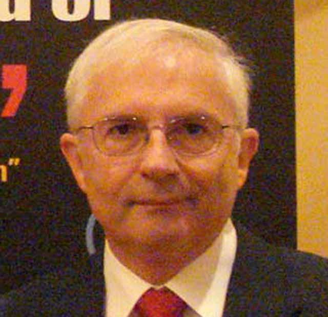 Julio Pomés deja la dirección de Institución Futuro