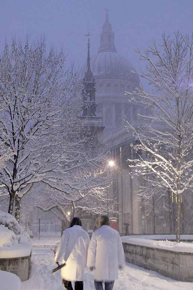 La mayor nevada de los últimos 18 años paraliza Londres y el sureste de Inglaterra