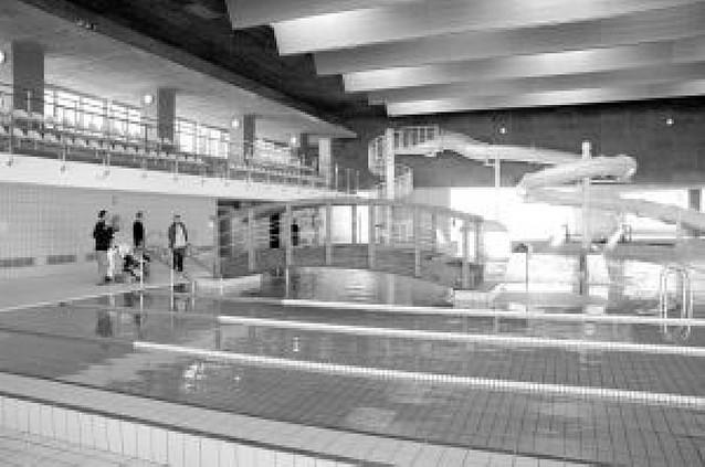 Usuarios de la piscina cubierta quieren unirse para reclamar