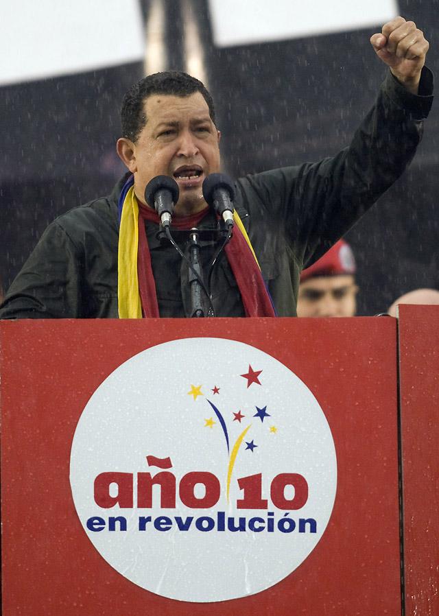 Chávez celebra sus diez años en el poder