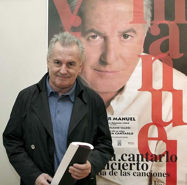 Víctor Manuel inicia en Avilés una gira con su repertorio más íntimo