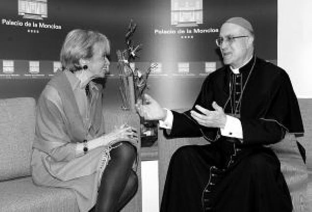 El Gobierno defiende ante el cardenal Bertone Ciudadanía y la ley del aborto