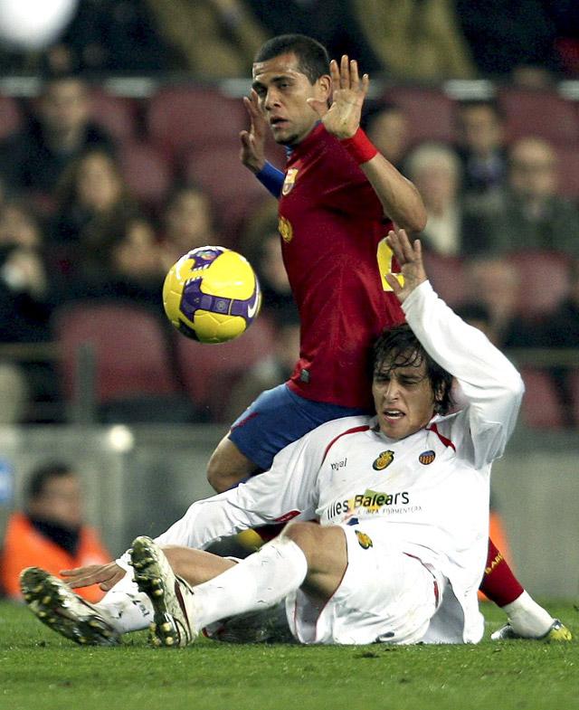 El Barça cumple en un partido aburrido y sin juego (2-0)