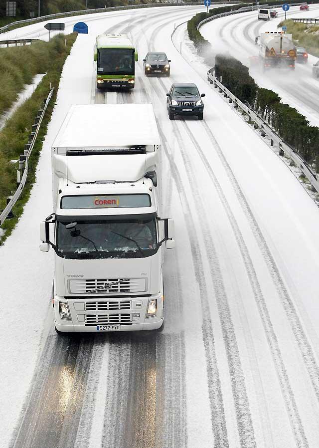 La nieve y el frío mantiene la alerta en once provincias españolas