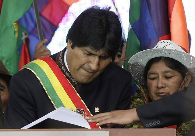 Morales promulga la nueva Constitución de Bolivia