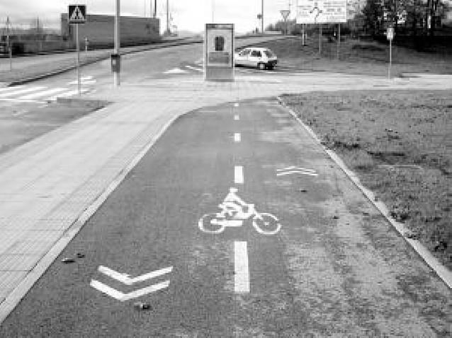 Ni por la acera, ni por el carril bici