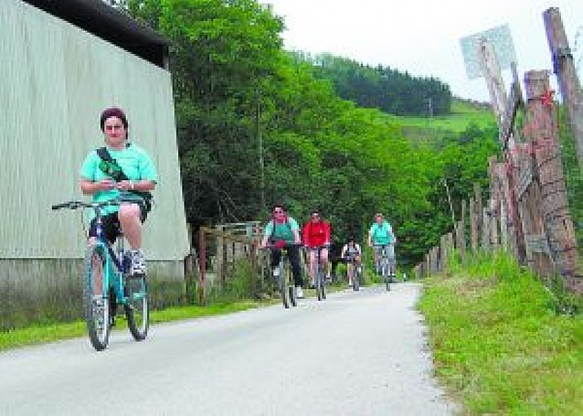 Una red europea de bicis discurrirá por la futura Vía Verde del Bidasoa