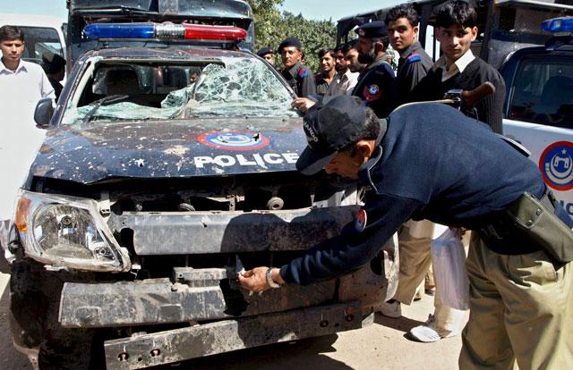 Mueren ocho personas en un atentado con coche bomba en Pakistán