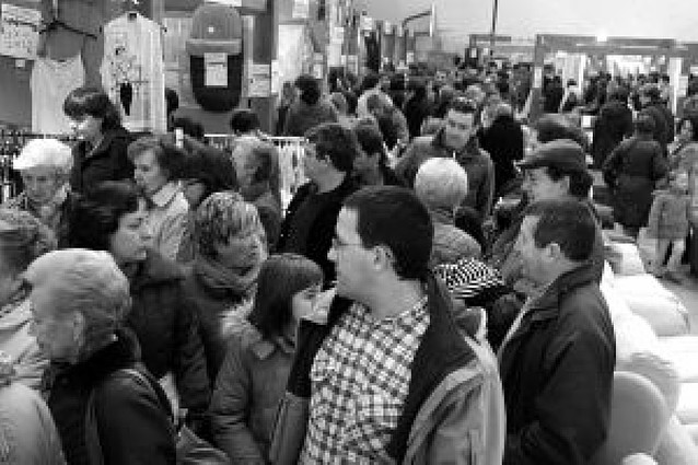 Más de 7.000 personas pasaron el primer día por la segunda feria del stock de Tafalla