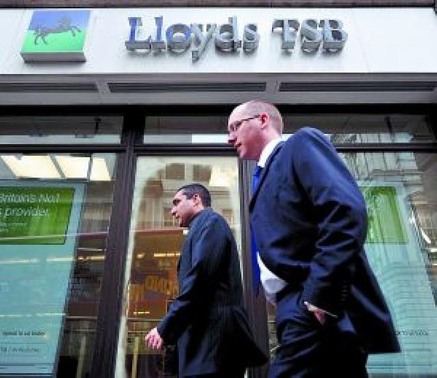 El Estado británico aumenta su capital en Lloyds hasta el 65%