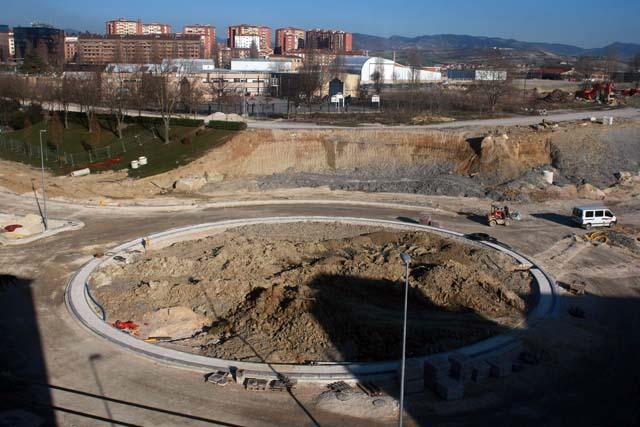Las nuevas áreas residenciales de Arrosadia y Lezkairu son todavía 17 kilómetros de viales