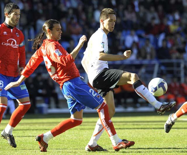 El Numancia se agarra a la permanencia de la mano de Aranda (2-1)