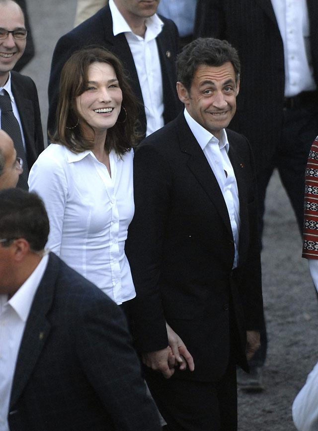 Sarkozy y Calderón, acompañados de sus esposas, recorrieron Teotihuacán