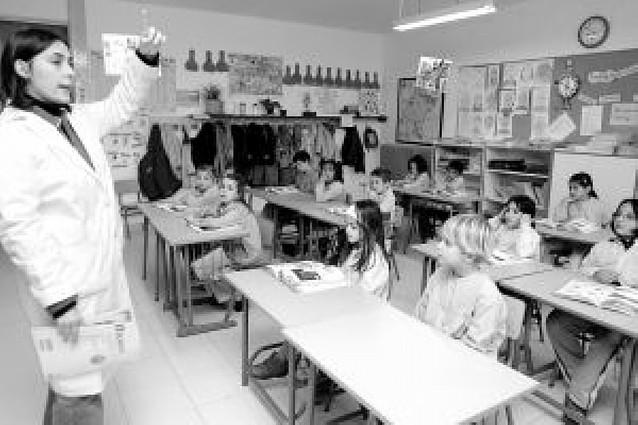 Educación admite que no hay ayudas para autobús y comedor en centros bilingües