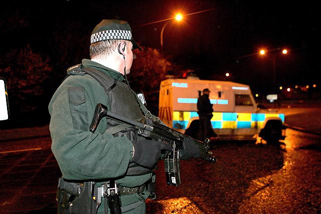 Asesinado a tiros un agente de policía en Irlanda del Norte