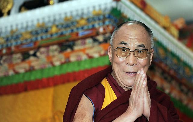 El Dalai Lama reivindica la no violencia frente a China tras medio siglo de exilio