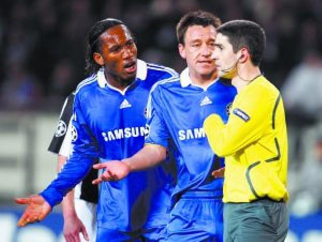 El Chelsea certifica su pase con un empate en Delle Alpi