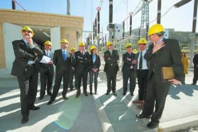 La nueva red de alta tensión entre Castejón y Muruarte de Reta mejora el servicio a Pamplona