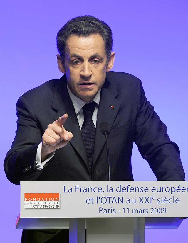 Sarkozy anuncia el regreso de Francia al mando militar de la OTAN