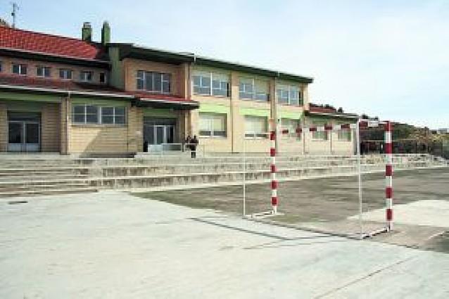 El ayuntamiento quiere un edificio escolar de 0 a 6 años para liberar el actual colegio