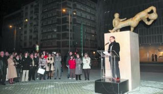 Cien silencios para las víctimas del terrorismo en el día de su memoria