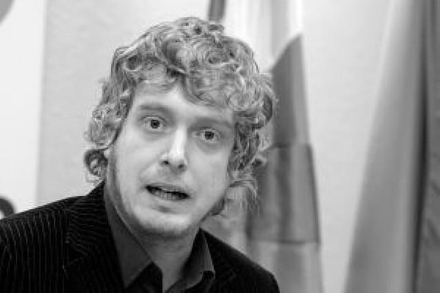 Aralar ve partidista y poco reflexiva la propuesta de EA de que NaBai vaya a las europeas
