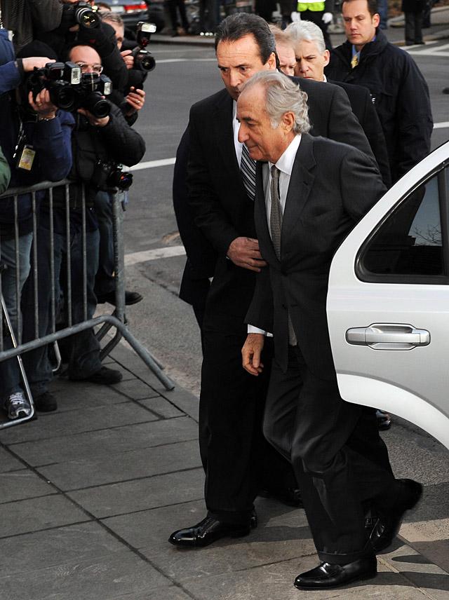 Un juez envía a prisión a Madoff, quien se declaró culpable de la gigantesca estafa