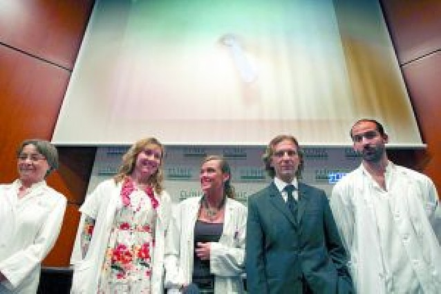 Un hospital de Barcelona logra extraer un riñón a través del ombligo