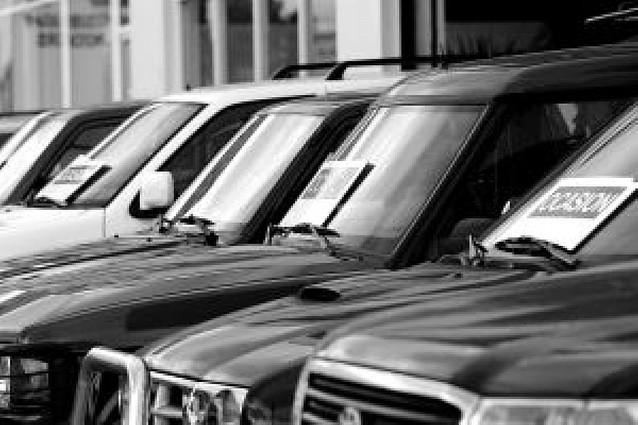 Consumo controlará este año las gafas de sol y las garantías de los coches de segunda mano