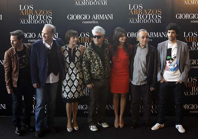 """Almodóvar presenta 'Los abrazos rotos', """"una declaración de amor"""" al cine"""