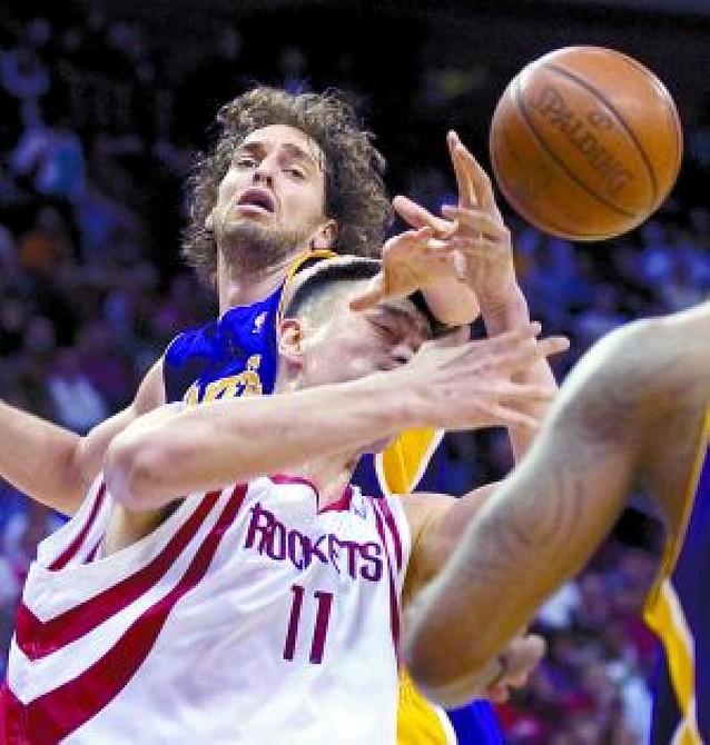 Los Lakers se clasifican para luchar por el título