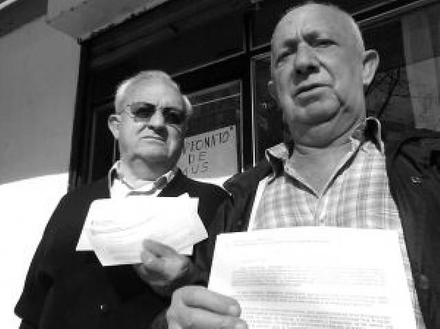 Funcionarios jubilados se quejan del cambio al notificar las pensiones