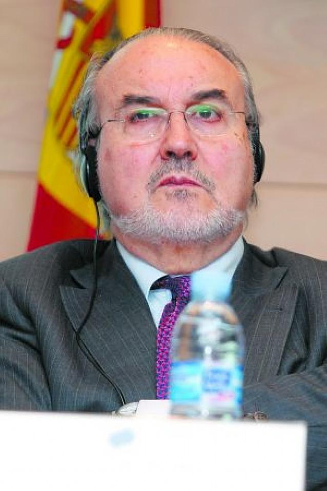 """Aviso de Solbes a las entidades financieras que """"jueguen mal"""""""