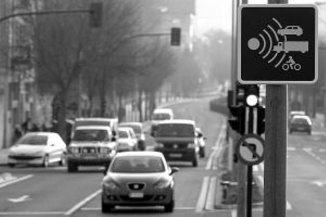 Los radares fijos comienzan a multar el lunes y podrían sancionar a 40 coches al día