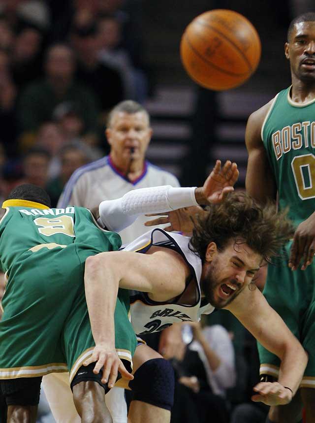Powe asume el liderazgo para llevar a Celtics a la victoria