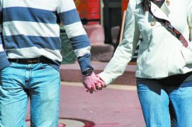 El Congreso estudia elevar la edad mínima del sexo consentido