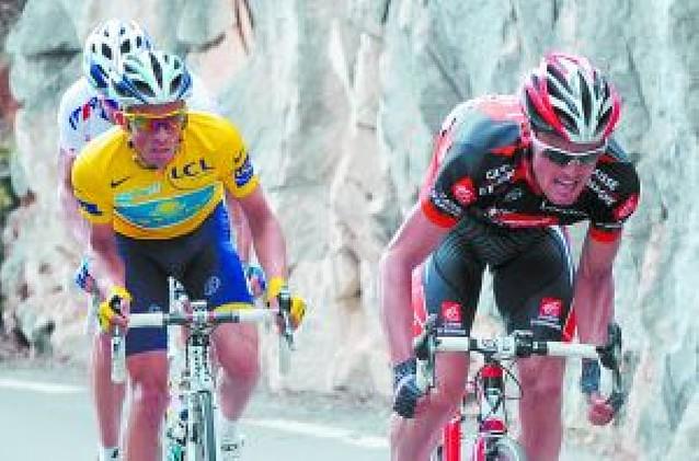 Contador se hunde, Luis León vuela