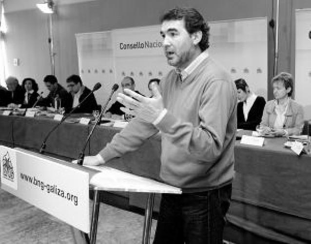 El fracaso en las urnas gallegas se lleva por delante a Anxo Quintana