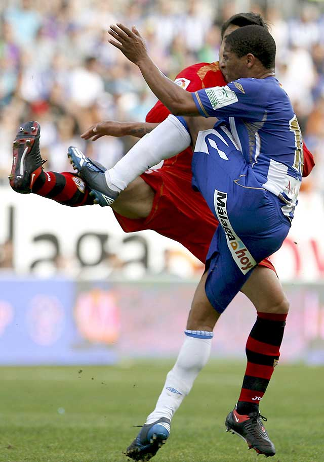 La reacción del Sevilla impide el triunfo del Málaga (2-2)