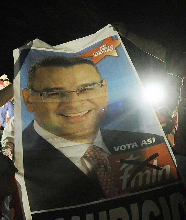 Mauricio Funes se proclama vencedor en las elecciones presidenciales salvadoreñas