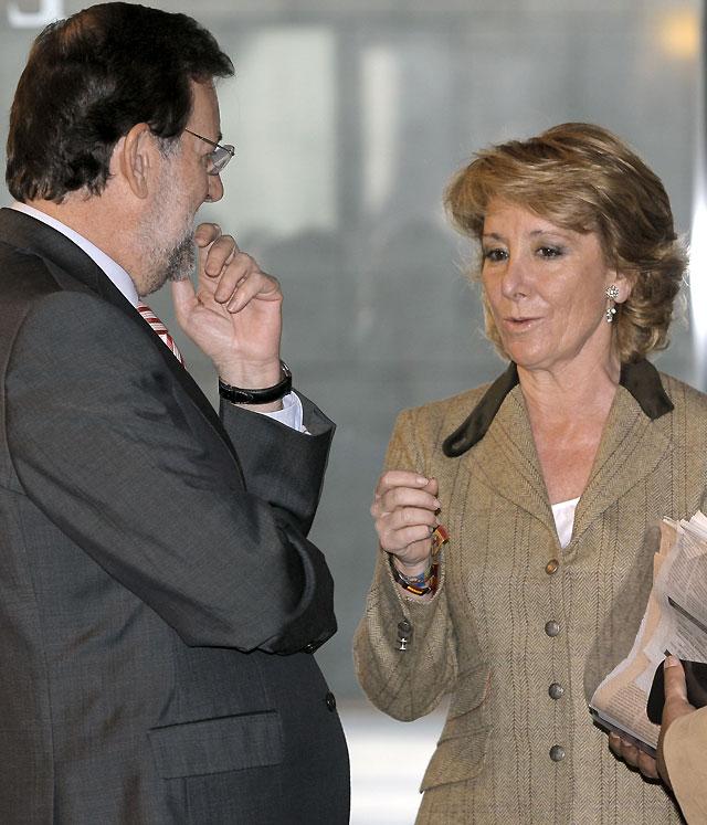 """Rajoy: """"El PP defenderá el honor de todos sus militantes porque son inocentes"""""""