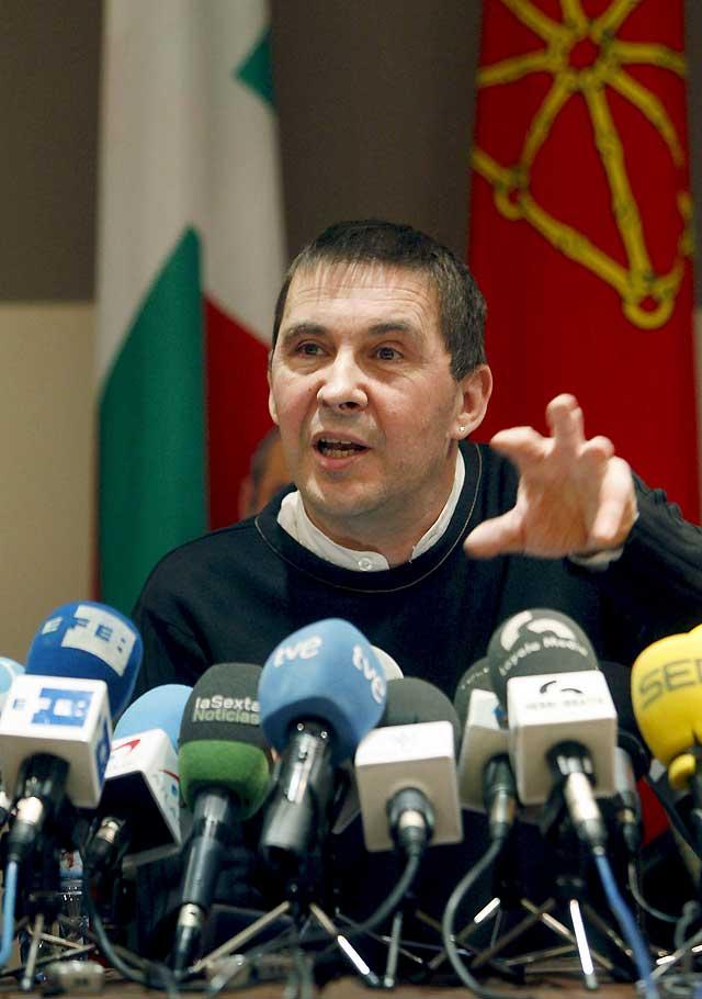 """Otegi llama a la unidad de las fuerzas independentistas para hacer una estrategia """"eficaz"""""""