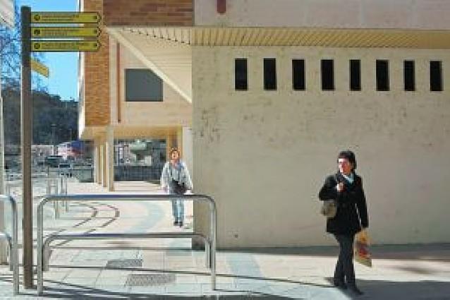 Estella se dota de nuevas señales para viandantes y turistas