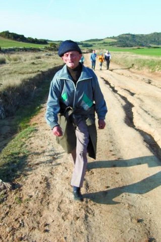 70 km a pie con 82 años